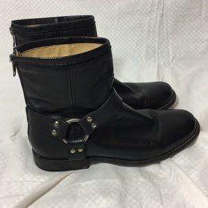 Frye Phillip Harness Short Black Leather Boots Sz8